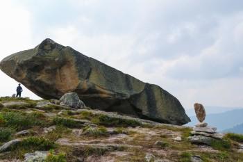 Ергаки. Висячий камень.
